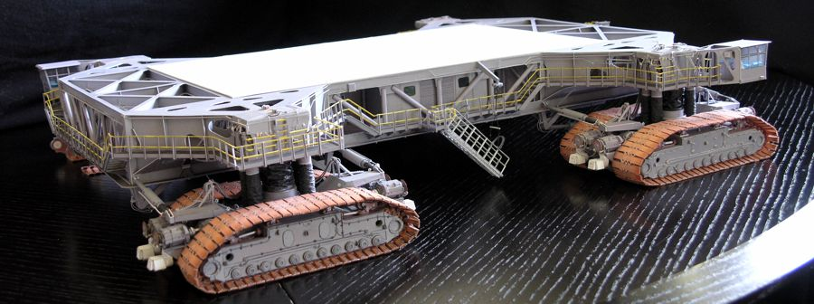 Crawler Transporter 1/96 Model